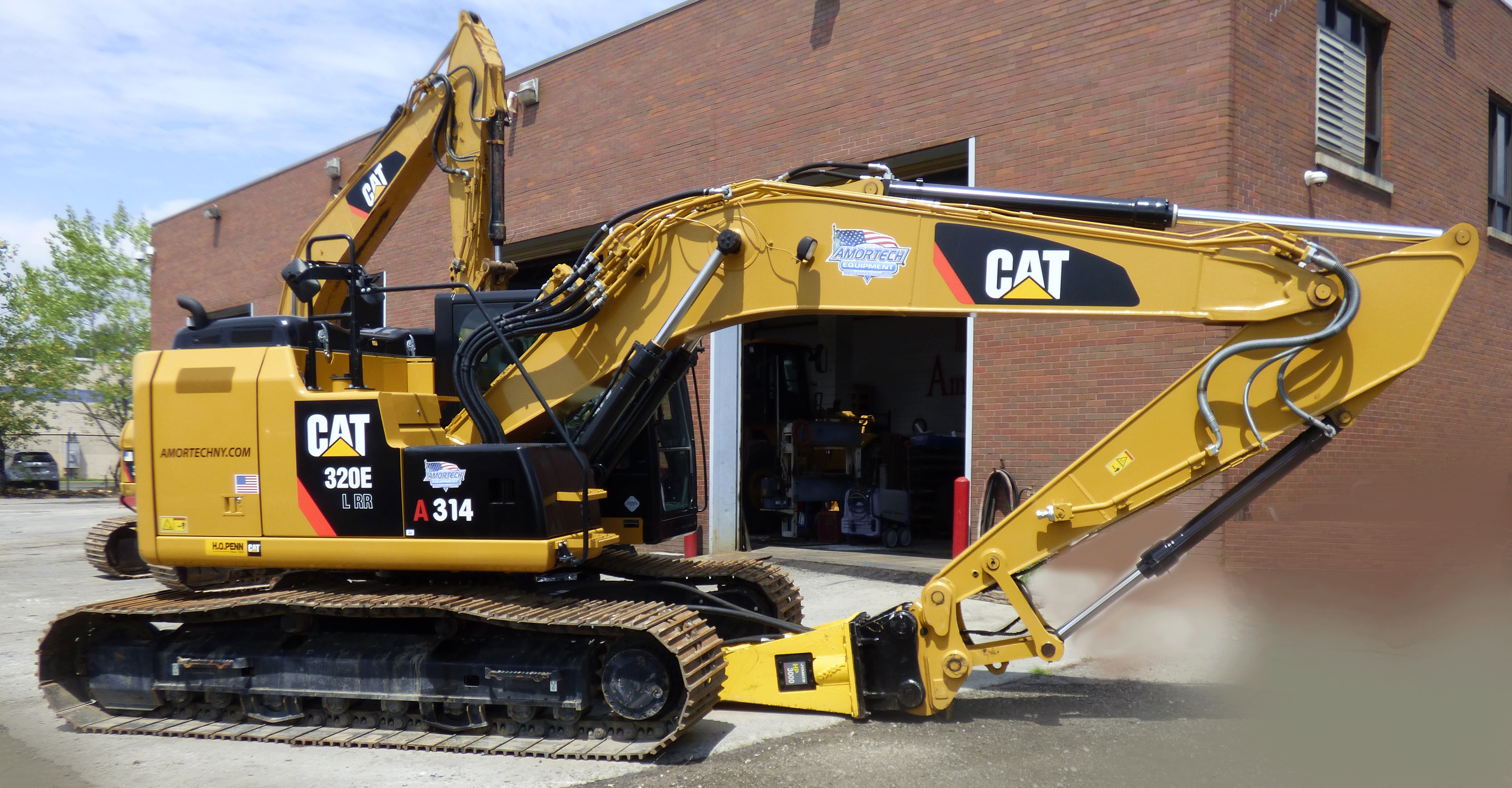 <br>CAT 320E Hydraulic Excavators TIER IV Certified